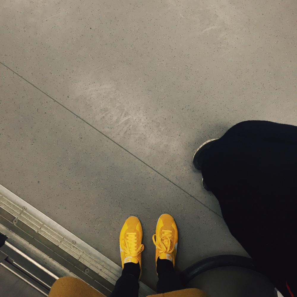 nya skor genom en dag