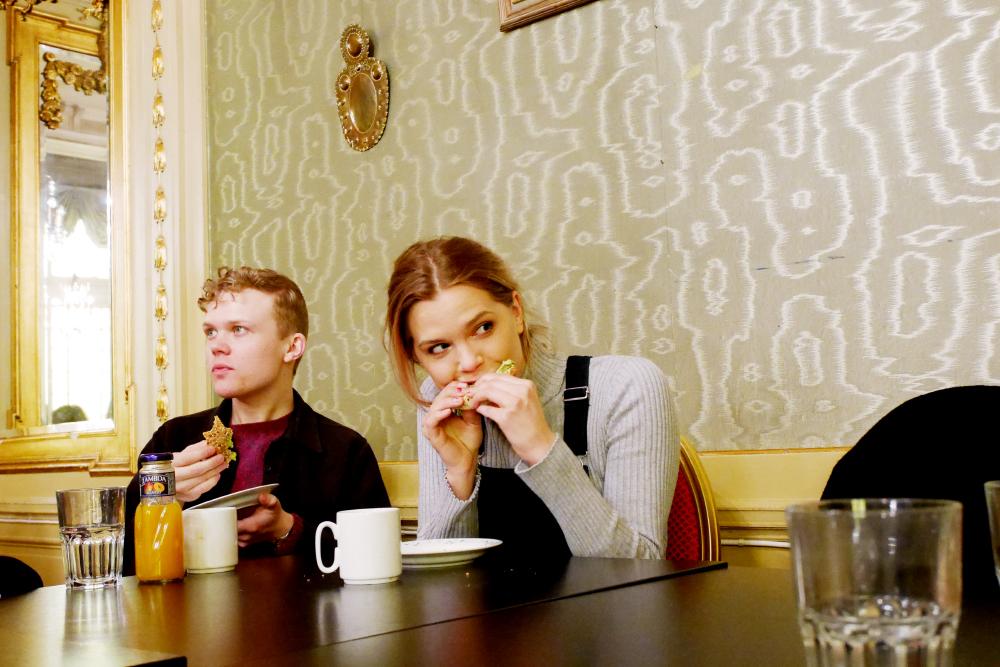 frukostsurpris för författaren flora